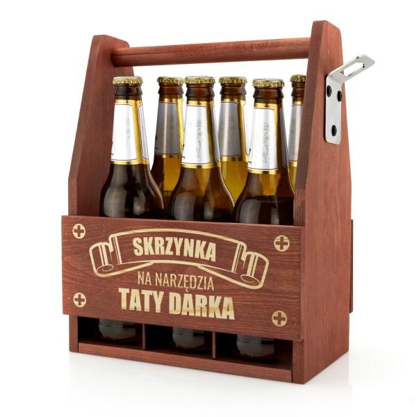 drewniana skrzynka z grawerem imienia na piwo