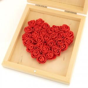 serce z piankowych różyczek w czerwonym kolorze