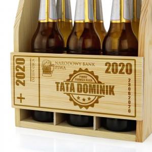 grawerowana skrzynka na piwo drewniana
