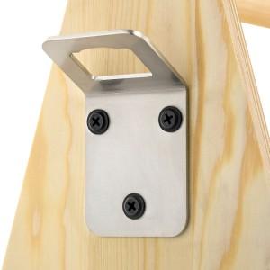 skrzynka drewniana z otwieraczem