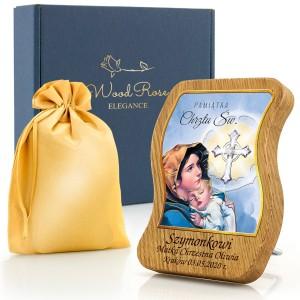 obrazek na chrzest z grawerem na drewnie dębowym w etui i z pudełkiem