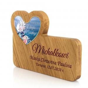 drewniana pamiątka chrztu z grawerem dla chłopca
