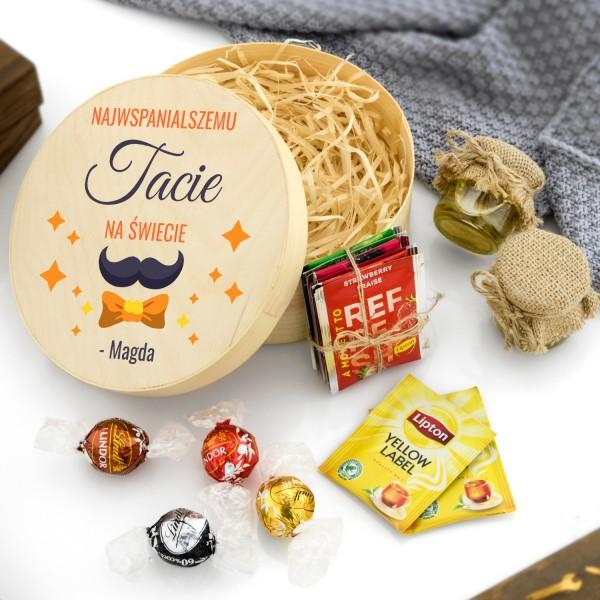 zestaw słodkości dla taty w pudełku z łuby z nadrukiem