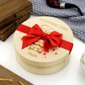 okrągłe pudełko ze słodyczami na prezent dla taty