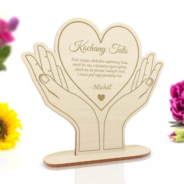 statuetka drewniana serce na prezent dla taty