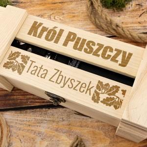 drewniana skrzynka z grawerem imienia dla taty