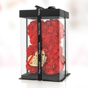 czerwony miś z róż na prezent dla ukochanej