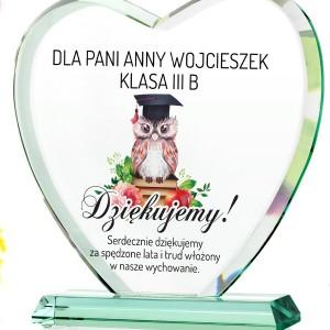 szklana statuetka z podziękowaniami na prezent dla wychowawczyni