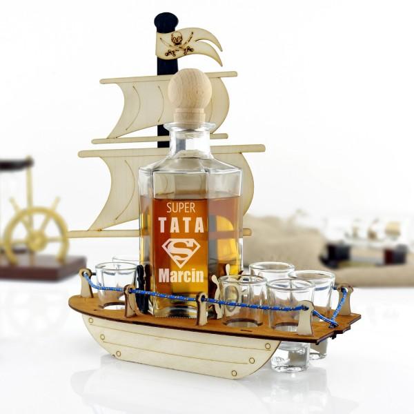 karafka statek z kieliszkami z grawerem imienia
