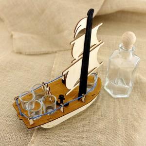 karafka statek z kieliszkami