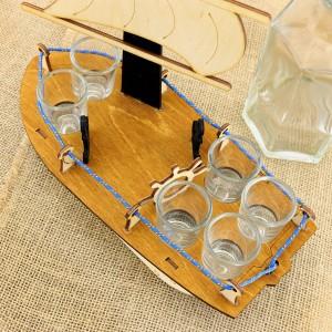 karafka statek z kieliszkami z grawerem