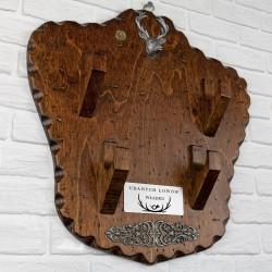 drewniany wieszak dla myśliwego z możliwościa grawerowania dedykacji i imienia