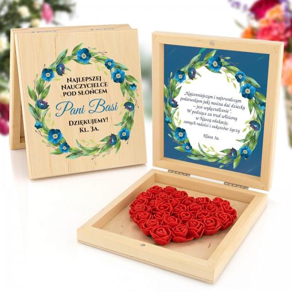 pudełko z sercem z róż - prezent dla nauczycielki
