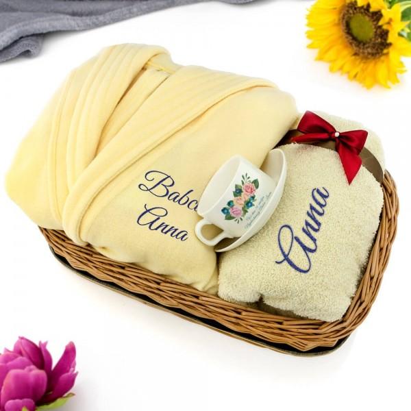 szlafrok i ręcznik z haftem na prezent na 70 urodziny