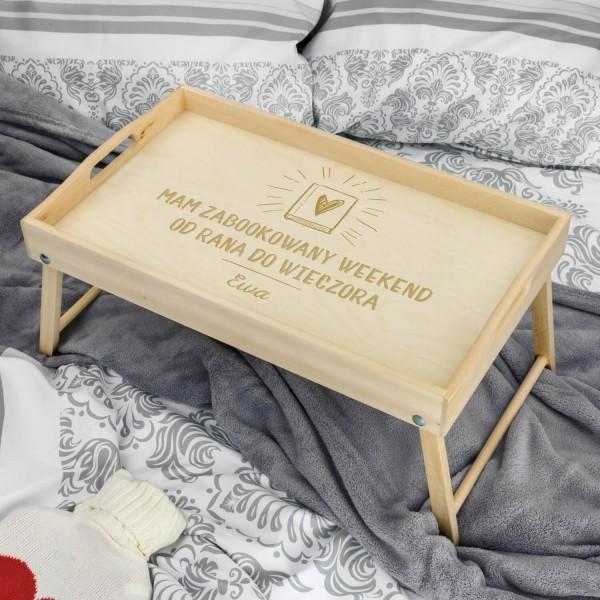 drewniany stolik śniadaniowy z grawerem dla niej na prezent