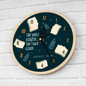drewniany zegar ścienny z nadrukiem