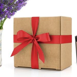ekologiczne pudełko prezentowe z kokardą