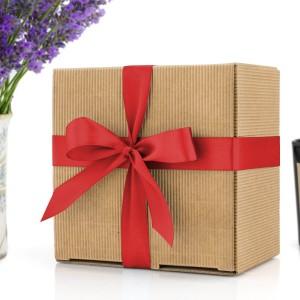 eko opakowanie na prezent z kokardą