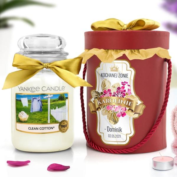 świeca zapachowa yankee candle i pudełko prezentowe
