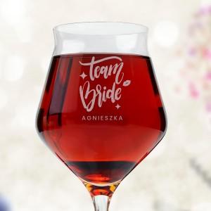 kieliszek do wina czerwonego na wieczór panieński