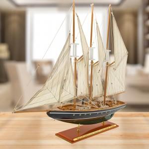 model statku Atlantic z grawerem dedykacji dla szefa
