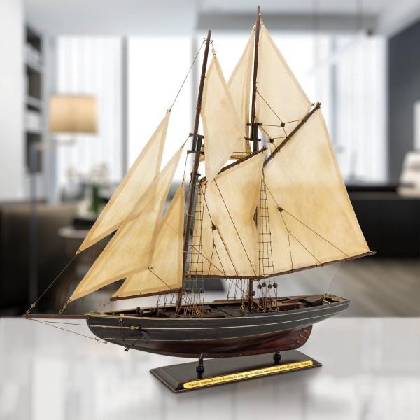 model statku bluenose z grawerem na prezent