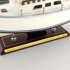 jacht morski catalina dla miłośnika żeglugi