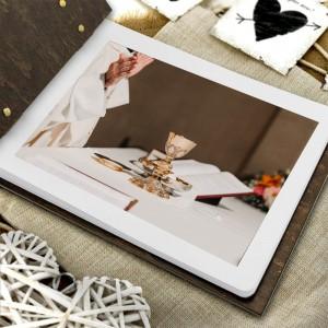 drewniany album na zdjęcia dla księdza