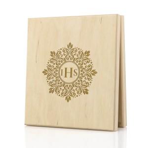drewniane pudełko na pieniądze z grawerem