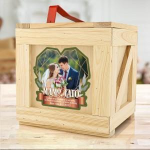 drewniana skrzynia box z prezentami