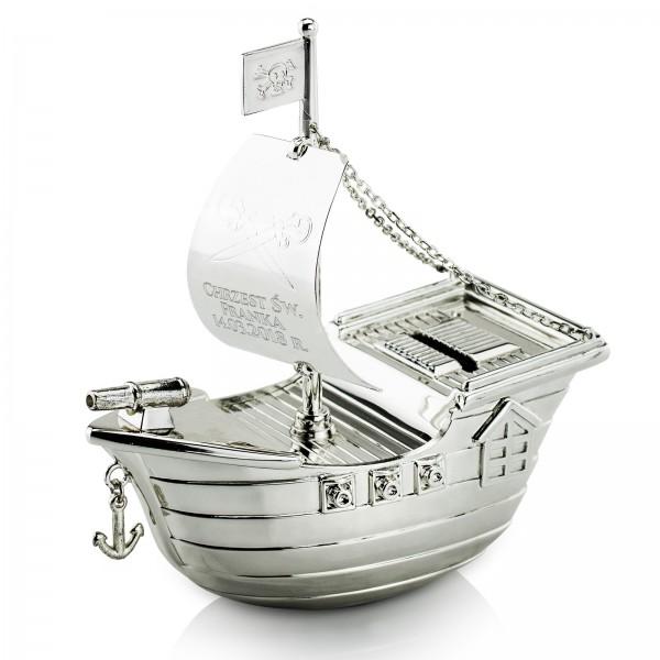 skarbonka statek z grawerem na chrzciny