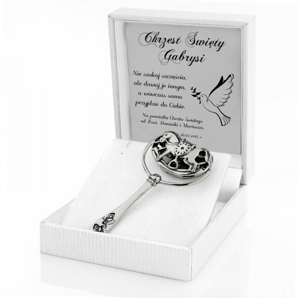 srebrna grzechotka na prezent na chrzest