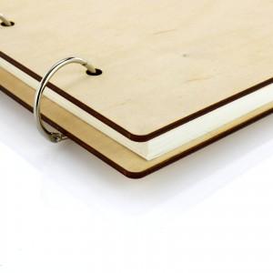 drewniany album z grawerem
