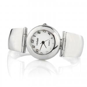 srebrny zegarek na prezent