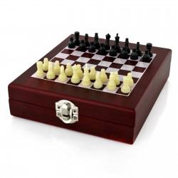 akcesoria do wina i gra szachy z grawerem dedykacji