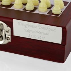 zestaw do gry w szachy z grawerem