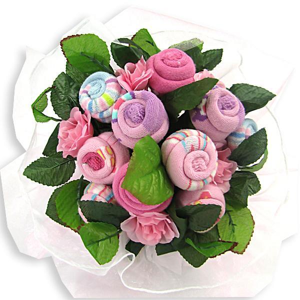 różowy bukiet ze skarpetek na chrzest