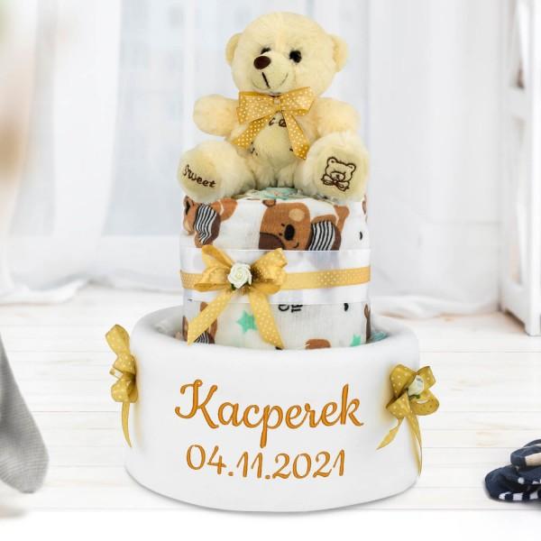 tort z pampersów z haftem imienia dla dziecka