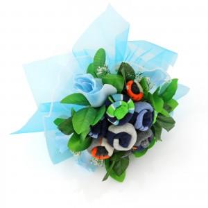 bukiet ze skarpetek z haftem na prezent dla niemowlaka