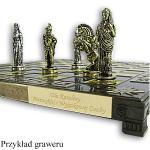 Indywidualny grawer na szachach z mosiądzu