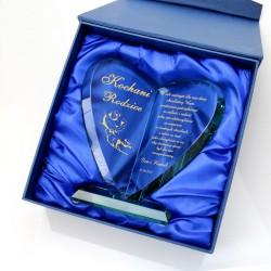 szklana statuetka serce w eleganckim pudełku