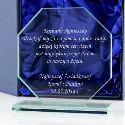 statuetka ze szkła na prezent dla świadków