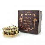 kompas słoneczny z grawerem