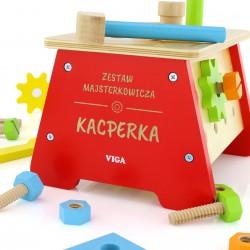 prezent dla dziecka na mikołajki narzędzia w drewnianej skrzynce z dedykacją majsterkowicz