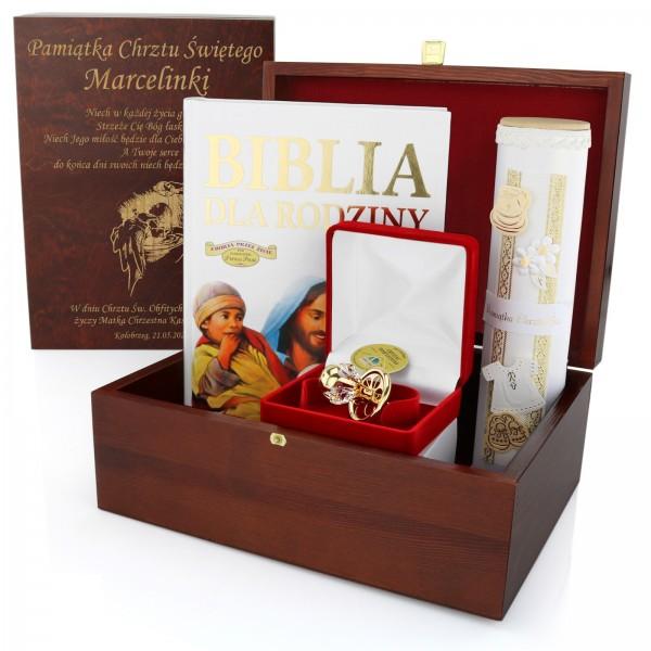 zestaw prezentowy na chrzest z grawerem na prezent