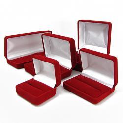 pudełka biżuteryjne z grawerem dedykacji
