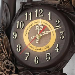 bambusowy zegar na ścianę na prezent z grawerem