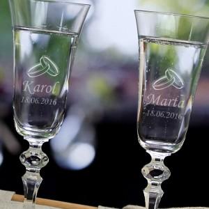 kieliszki z grawerem - prezent na ślub