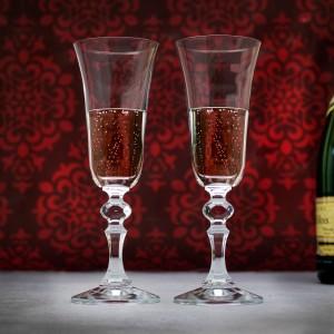 kieliszki do szampana na prezent z okazji ślubu