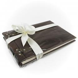 estetycznie pakowany drewniany album na zdjęcia